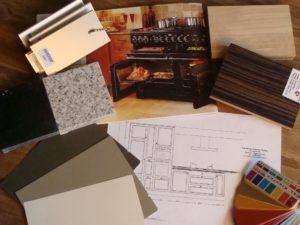 kleuren stalen die gebruikt worden ter oriëntatie bij een keuze voor een keuken
